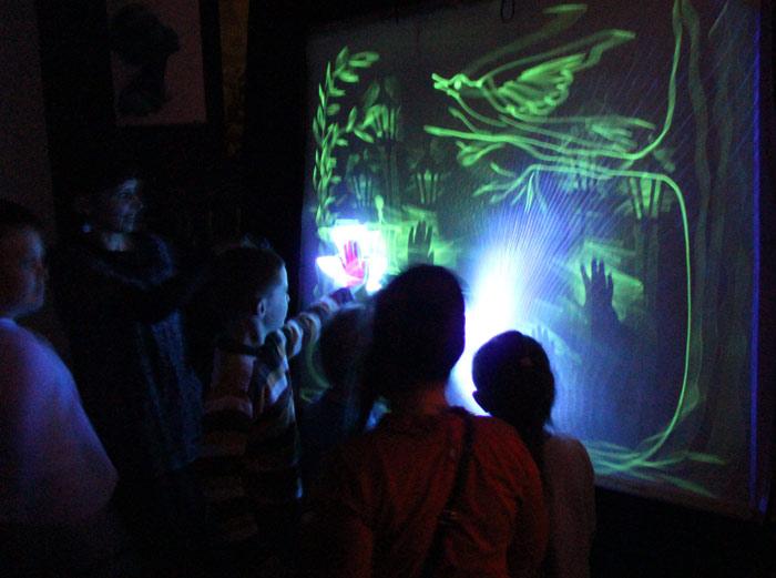 световое шоу, для детей, театр кукол, Минск, раннее развитие