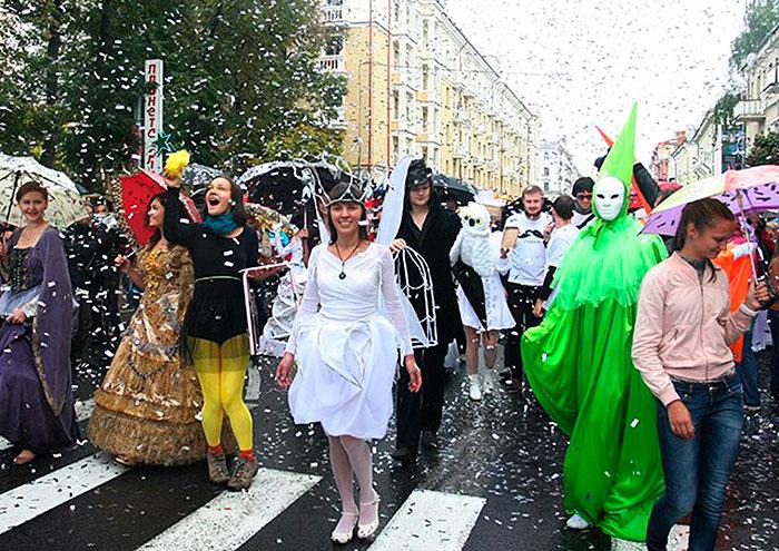 спектакль, для детей, кукольный театр, Минск, Екатерина Гузовская-Гора, бард, музыкант